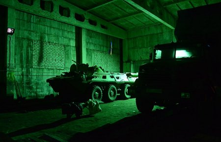 Через границу РФ в грузовиках провезли технику и снаряжение для боевиков